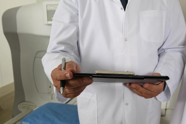 Кондиломы у мужчин: на головке, половом члене, лечение