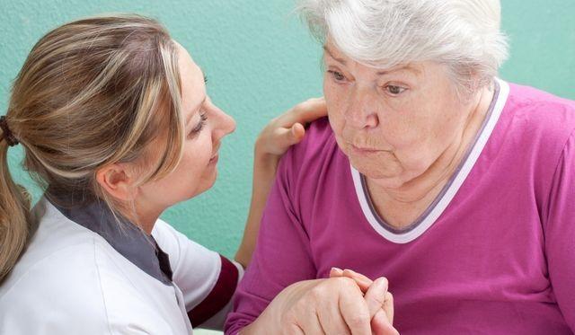 Старческое слабоумие: симптомы, лечение, сколько живут