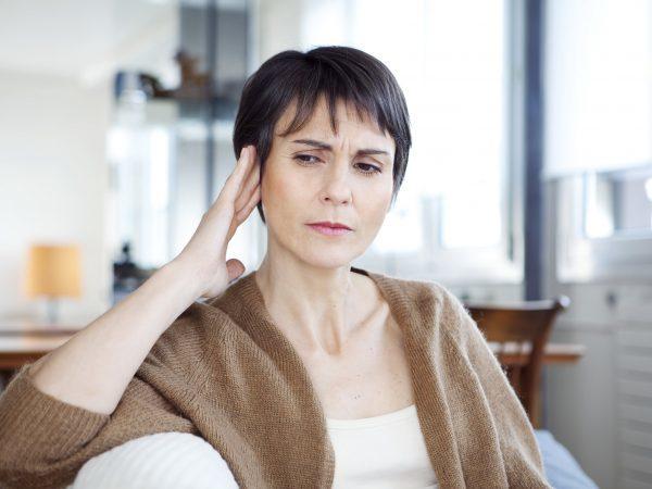 Шум в ушах и головокружение: причины, лечение