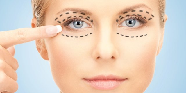 Как убрать мимические морщины вокруг глаз: массаж, в домашних условиях