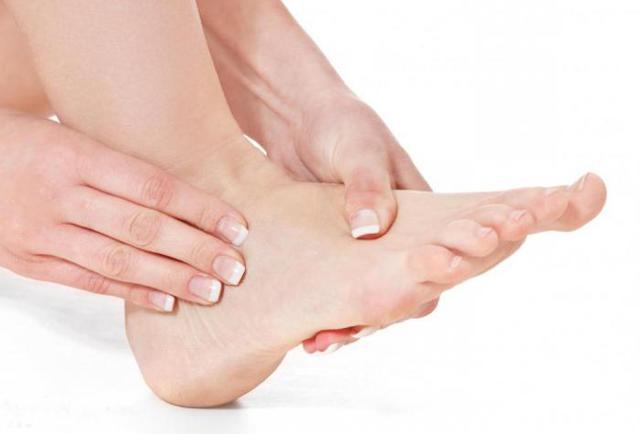 Мазь от отеков на ногах: гепариновая, после операции