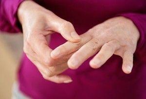 Слабость в руках: причины, в левой руке, тяжесть, нет сил