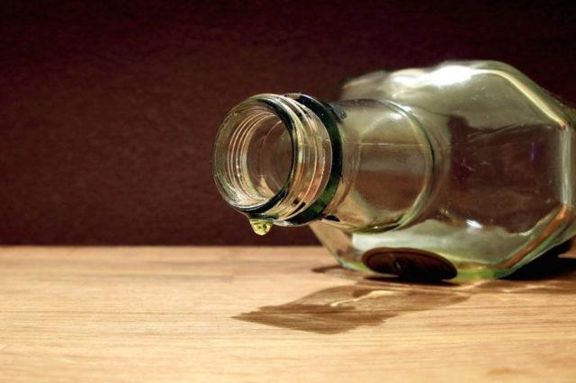 Синдром абстиненции: при хроническом алкоголизме