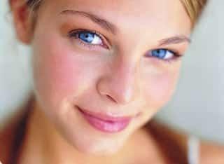Как очистить кожу лица в домашних условиях: от прыщей, черных точек