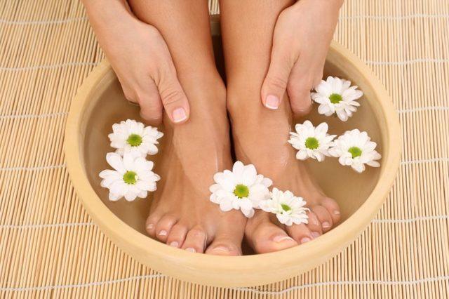 Сухость кожи ног: причины и лечение, шелушение