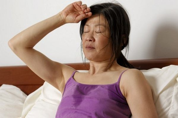 Симптомы климакса у женщин в 40 лет: первые признаки